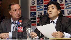 Efsane Arjantin Milli Takımının teknik direktörü Carlos Bilardo koronavirüse yakalandı