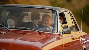 Cumhurbaşkanı Yardımcısı Oktay, hemşehrisinin klasik otomobilini kullandı
