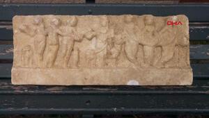 Ataşehirde evin bahçesinde Roma Dönemi eseri bulundu