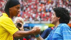 Ronaldinho futbola dönmek istiyor Maradona ile aynı takımda...