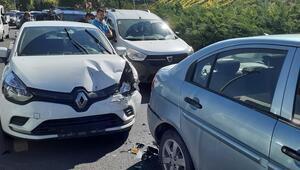 Kazada dört araç birbirine girdi