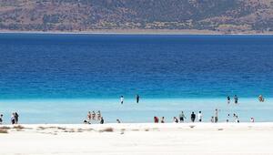 Türkiyenin Maldivleri Salda Gölü cıvıl cıvıl