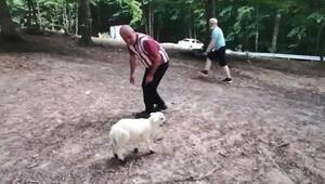 Annesinin dışladığı kuzuyu sahiplendi