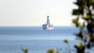 Türkiyenin ilk yerli sondaj gemisi Fatih Zonguldak açıklarında