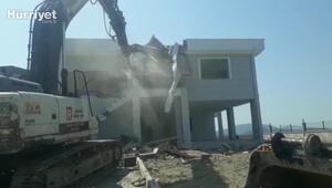 Muğlada kaçak olduğu tespit edilen villaların yıkımına başlandı