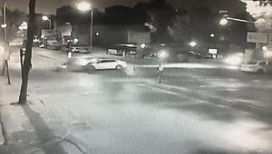 Ümraniyede polisin kovaladığı araç taksi ile çarpıştı; o anlar kamerada