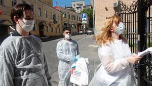 Rusya'da son 24 saatte 6 bin 556 yeni koronavirüs vakası tespit edildi