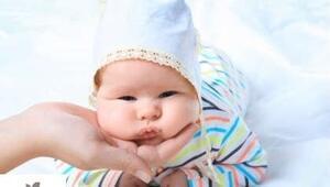 Obez Çocuklar Ailelerinden Alınmalı mı