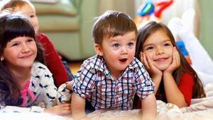 Çocukların oturuş biçimlerine dikkat