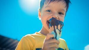 Çocuğunuza dondurma ve çikolatayı eritmeden verin