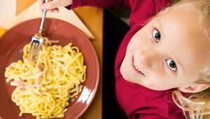 Çocuklarda tek yönlü beslenmeye uzmanından uyarı