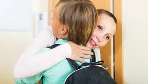 Okul fobisi olan çocuğa nasıl yaklaşmalıyız