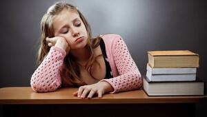 Çocuğunuz ev ödevini yaparken sorun yaşıyorsa dikkat