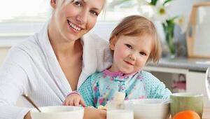 Beslenmenizle çocuklarınıza örnek olun