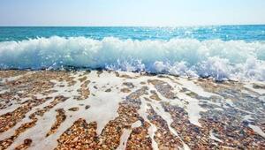 Yüzeyi köpüklü olan suya girmeyin