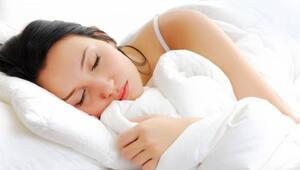 Hamileyken yan gelip yatmalı mı