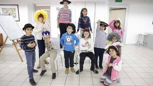 Çocuklar sanatın büyülü dünyasıyla buluşuyor
