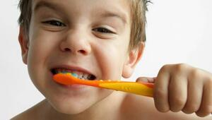 3 yaşından önce diş macunu yasak