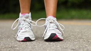 Yanlış seçilen spor ayakkabısı ayağa zarar