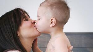 Çocuğunuzu dudaktan öpmeyin