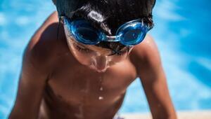Çocuklarda yüzme obeziteyi engelliyor