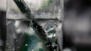 Maden suyunu bardaktan değil şişeden tüketin