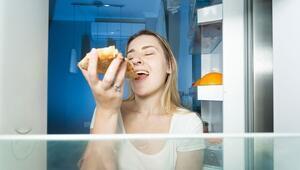 Sabah tok uyandıran gece çok acıktıran sendrom: Gece yeme bozukluğu
