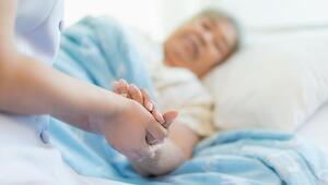 Alzheimer hasta yakınlarının 3te 1i depresyonda