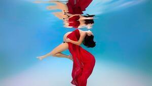 Su altında çekilen müthiş hamilelik fotoğrafları