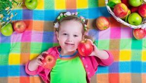 Çocukların beslenmesinde yer verilmesi gereken 13 meyve