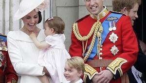 İngilterenin küçük prensesi Charlotte ilgi odağı oldu