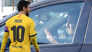 Son Dakika   Barcelonada bir devrin sonu Lionel Messiden güle güle