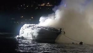 Alev aldı, sular altında kaldı; İstanbul Boğazında korkutan yangın