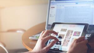 Türkiye internet başında günde kaç saatini harcıyor