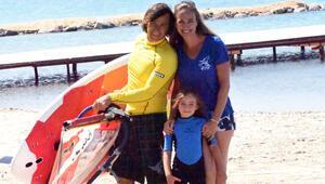 Çağla Kubat'ın kızı da sörfçü oldu