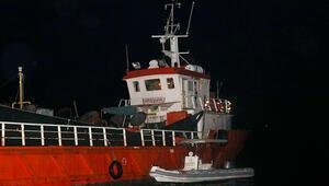 Son dakika haberi: İzmirde dev operasyon Gemide 276 sığınmacı yakalandı