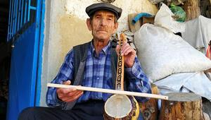 Kabak kemane ustası kültürünü yaşatıyor