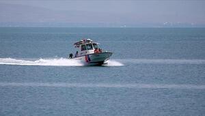 Van Gölünde kaybolan tekneyi arama çalışmaları yeniden başladı