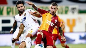 Galatasarayın golcüsü Adem Büyükten flaş sözler: Taraftara borcumuz var