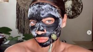 Victorias Secret meleğinin güzellik sırrı bu maskeymiş