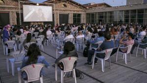 CerModern açık hava sahnesini sanatçılara ücretsiz açıyor