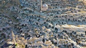 Nevşehirdeki tarihi yamaç yerleşimi turizme açılıyor