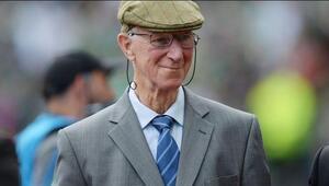 İngilterenin Dünya Kupası kazanan takımından Jack Charlton hayatını kaybetti