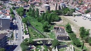 Bergamadaki Selinos Antik Kanalı gün yüzüne çıkıyor
