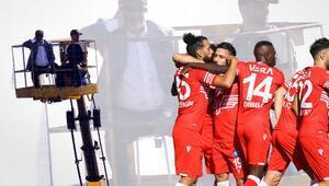 Son Dakika | Ümraniye - Adana Demirspor maçında ilginç olay Başkan Murat Sancak vinçten izledi...