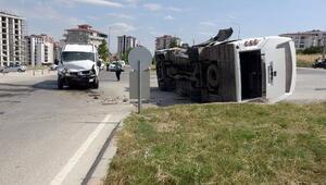 Edirnede iki minibüs çarpıştı: 4 yaralı