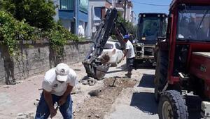 Ceyhan'da asfalt ve yol çalışmaları sürüyor