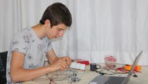 Lise öğrencisi koronavirüs sürecinde yazılım projeleri geliştirdi