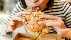 Yağlı besinler kanser riskini artırıyor