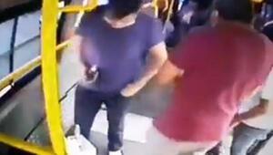 Minibüs koltuğunda unutulan telefonu yolcunun çaldığı anlar kamerada